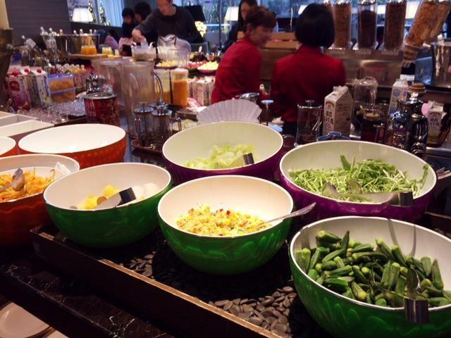 東京マリオットホテルの朝食のサラダ