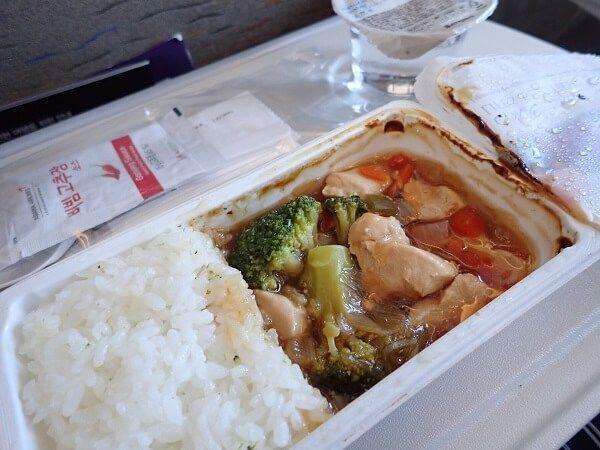 アシアナ航空の福岡・仁川間機内食