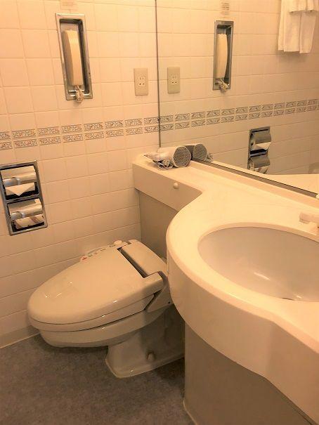 トイレ、洗面台