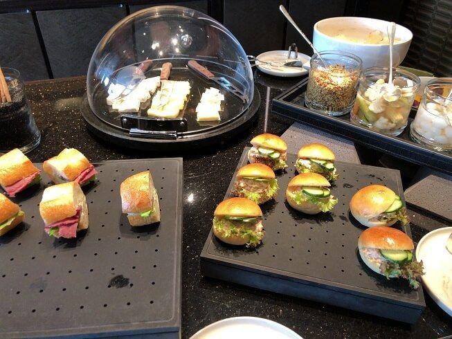 リッツカールトン東京のミッドデイスナックメニュー