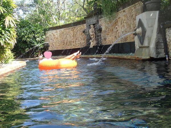 流れるプールの写真