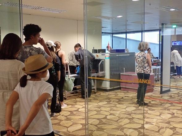 シンガポール空港での乗り継ぎ・出発の保安検査
