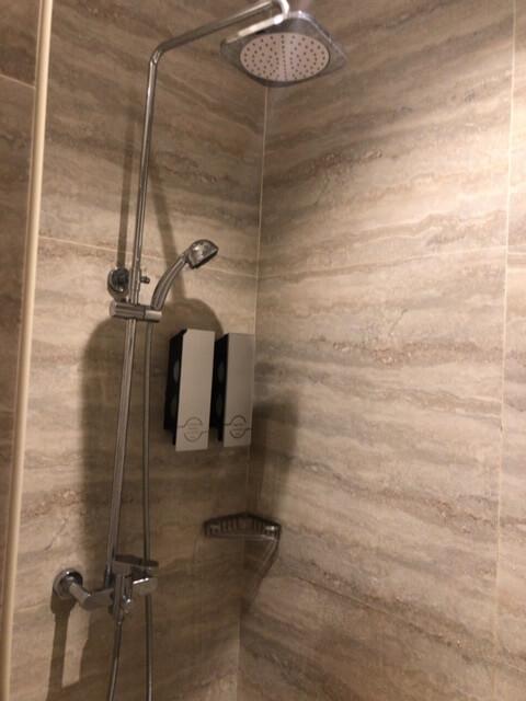 空港ラウンジで利用できるシャワー