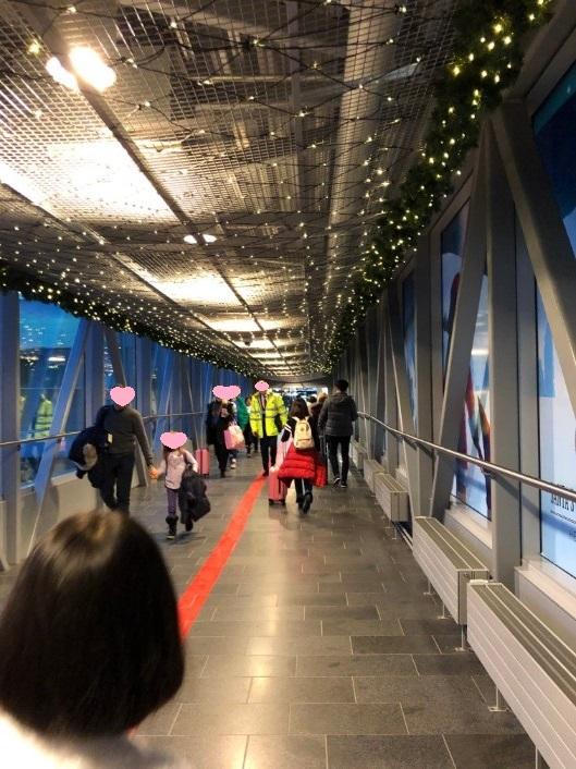 ヘルシンキ空港で乗り継ぎ