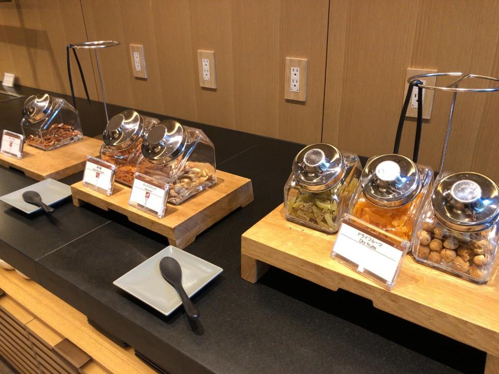 プリンスさくらタワー東京のティータイムのお菓子の写真