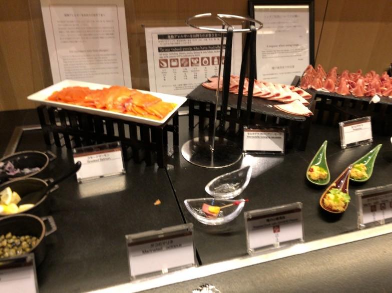プリンスさくらタワー東京エグゼクティブラウンジのカクテルタイム(食事)