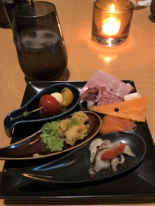 プリンスさくらタワー東京エグゼクティブラウンジのカクテルタイムで食べたもの