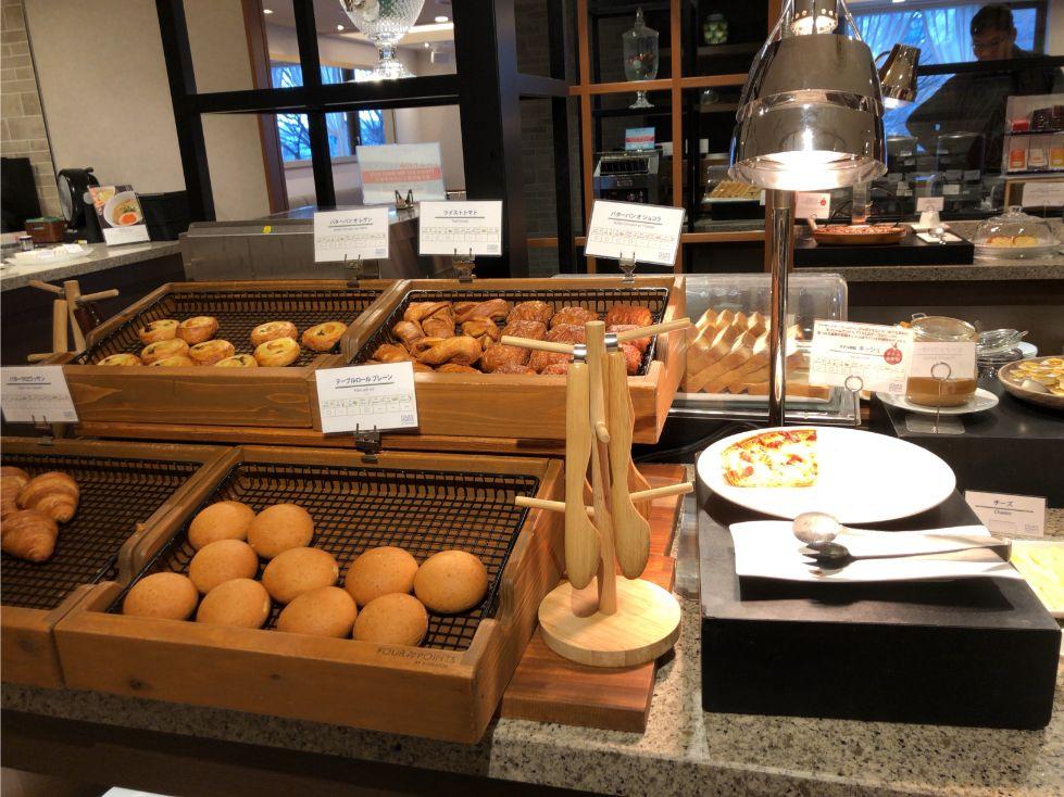 フォーポイントバイシェラトン函館の朝食(パン)