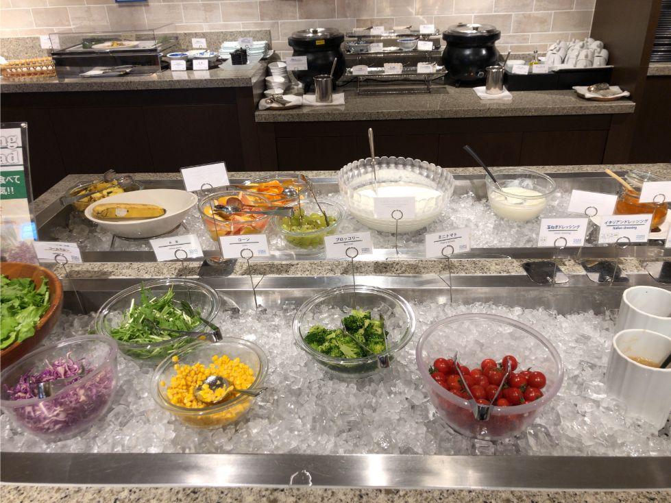 フォーポイントバイシェラトン函館の朝食(サラダ)