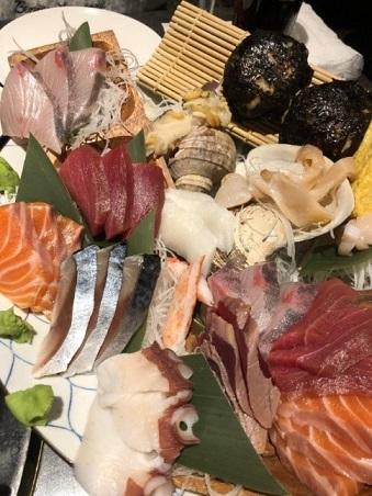 函館の家族旅行でたべた刺身の画像