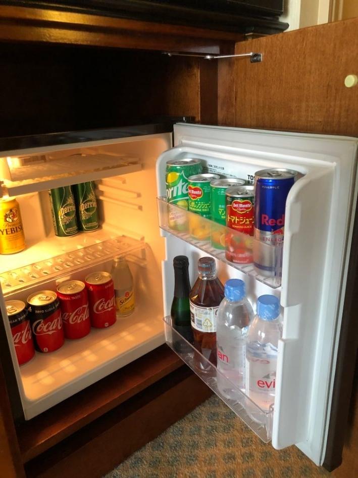 デラックスクラブアクセスルームの冷蔵庫の中身