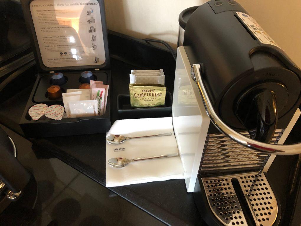 デラックスクラブアクセスルームの備え付けコーヒー紅茶類