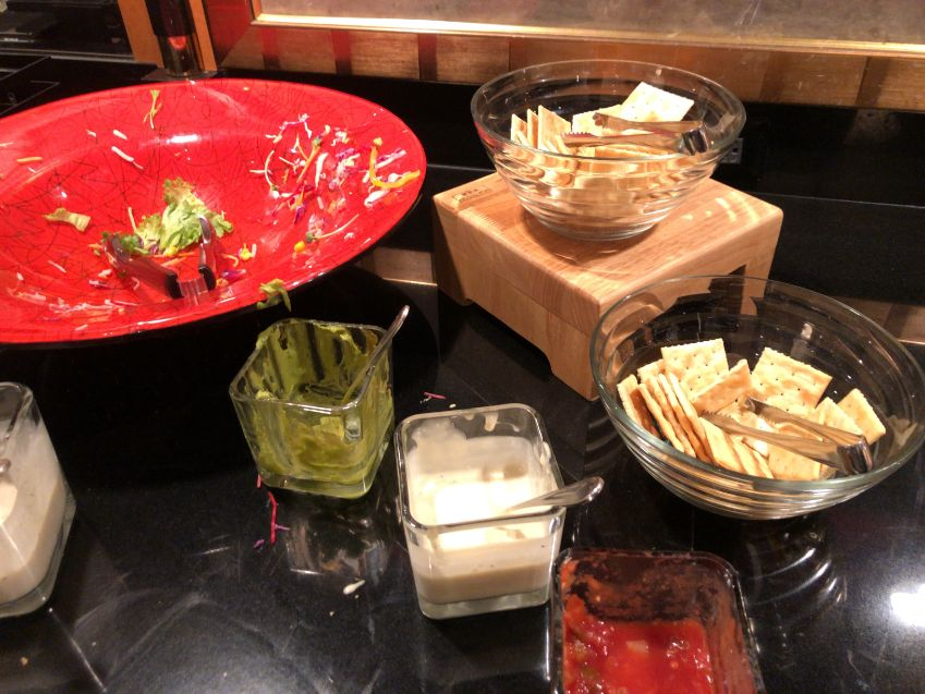 ウェスティン東京クラブラウンジカクテルタイムの食事
