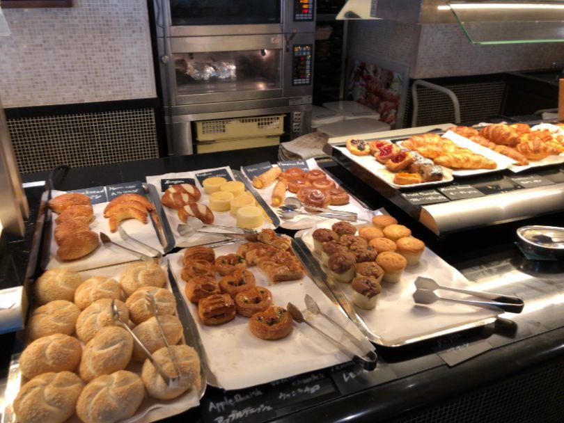 ウエスティン東京「ザ ・テラス」の朝食パン