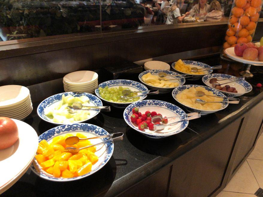 ウエスティン東京「ザ ・テラス」の朝食フルーツ類