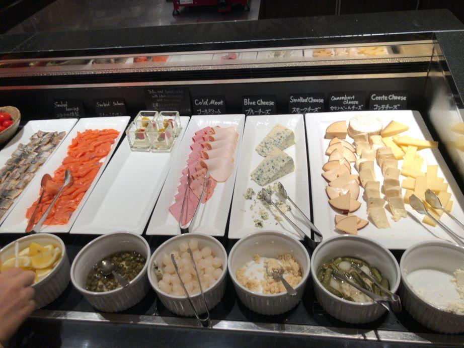 ウエスティン東京「ザ ・テラス」の朝食チーズ類