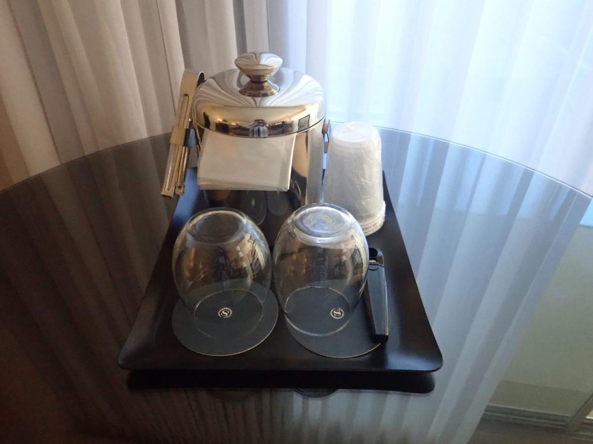 部屋に置いてあったグラス類