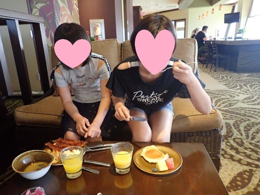 シェラトンワイキキのラウンジ朝食