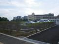 幕張インターナショナルスクールの隣の敷地  奥の学校は廃校