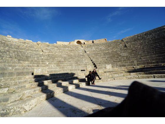 チュニジア ドゥッガ遺跡 個人旅行 円形劇場