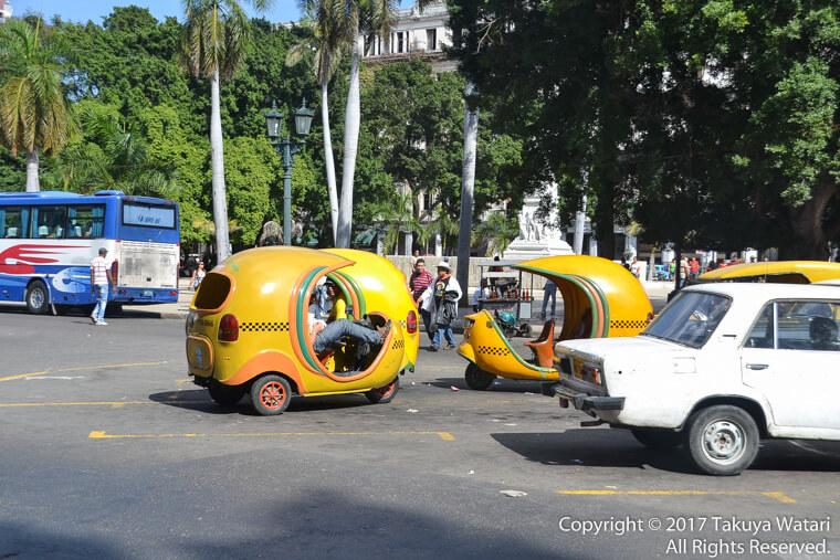 ハバナのココナツタクシー