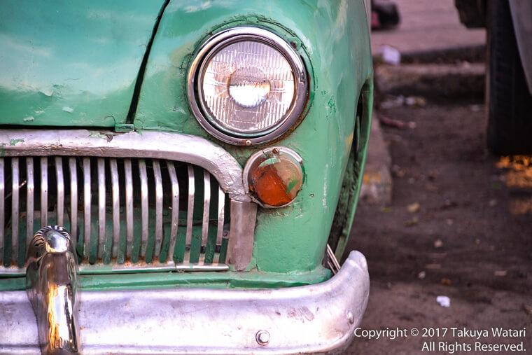 ハバナのクラッシックカーをアップで