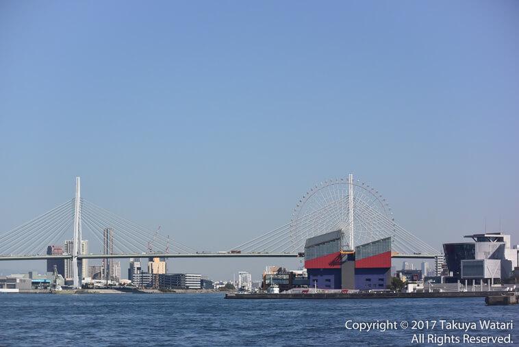 天保山大橋、天保山大観覧車、海遊館、大阪文化館をサンタマリア号から