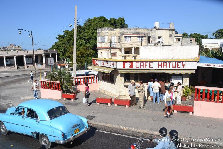 ハバナの観光バスから撮影することが出来たカフェ