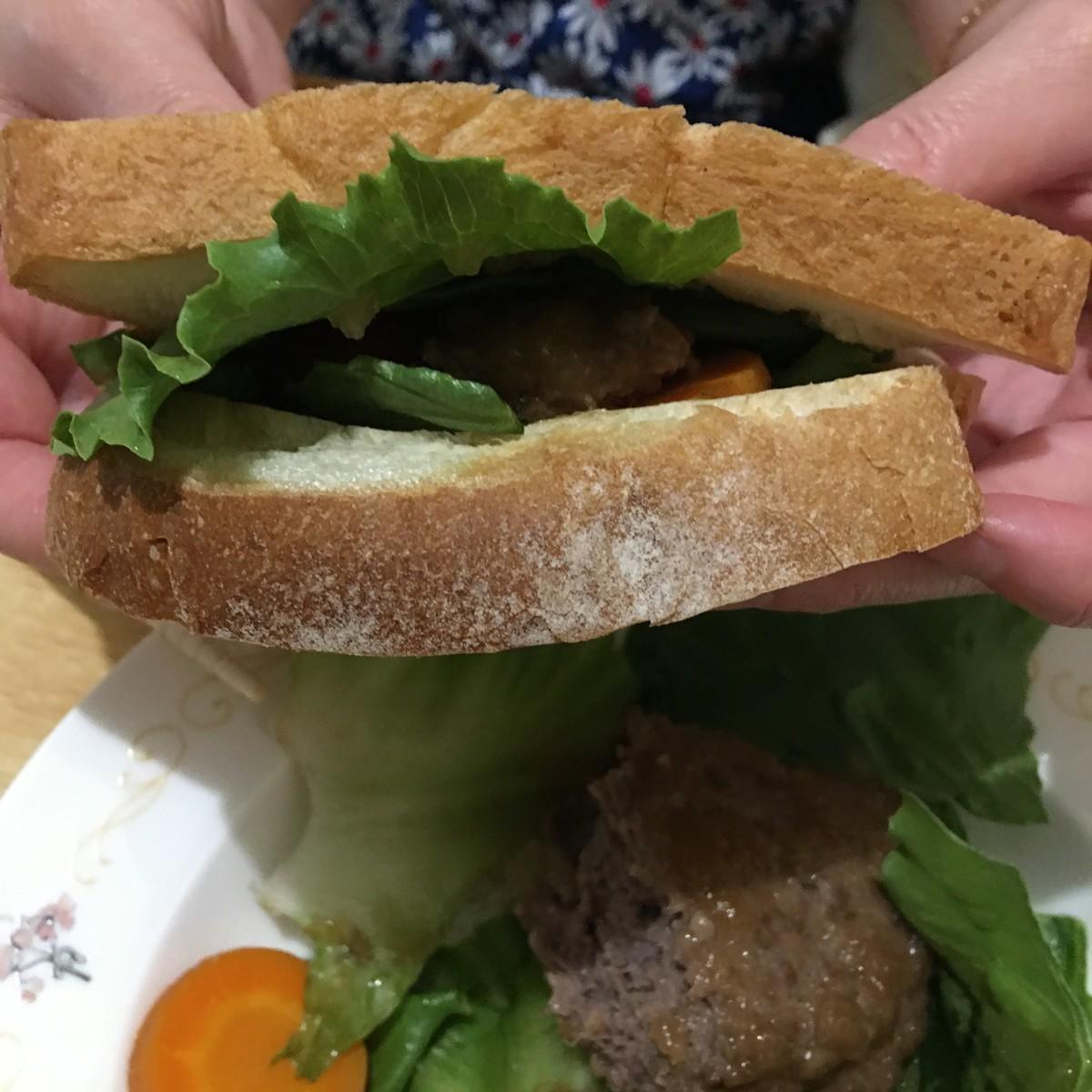 安くておいしい米沢牛ハンバーガー