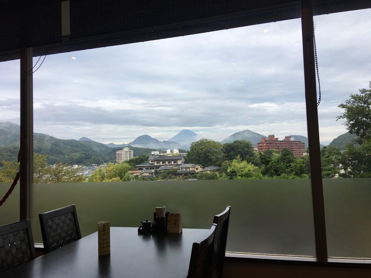 ニュー八景園 朝食会場から富士山がみえる