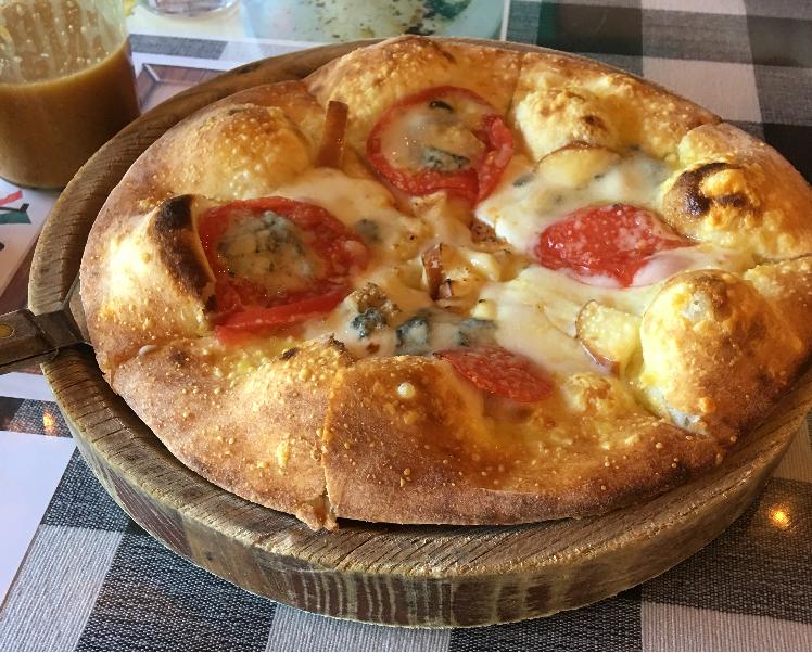 イタリアンピザ(pizza=ピッツァ)
