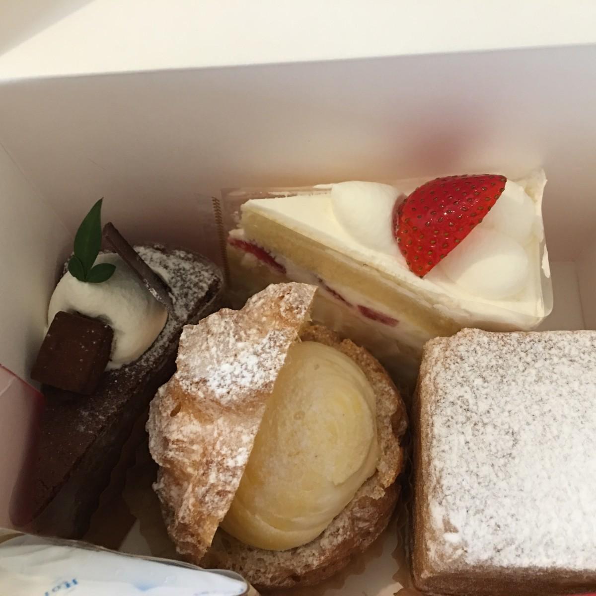ケーキ1200円分