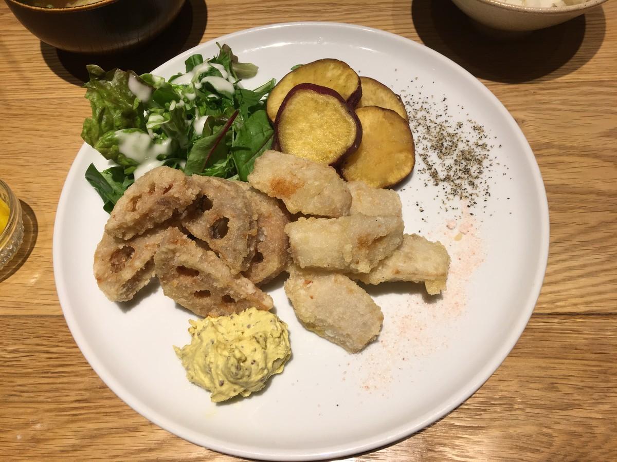 旬の野菜の天ぷら盛り合わせ