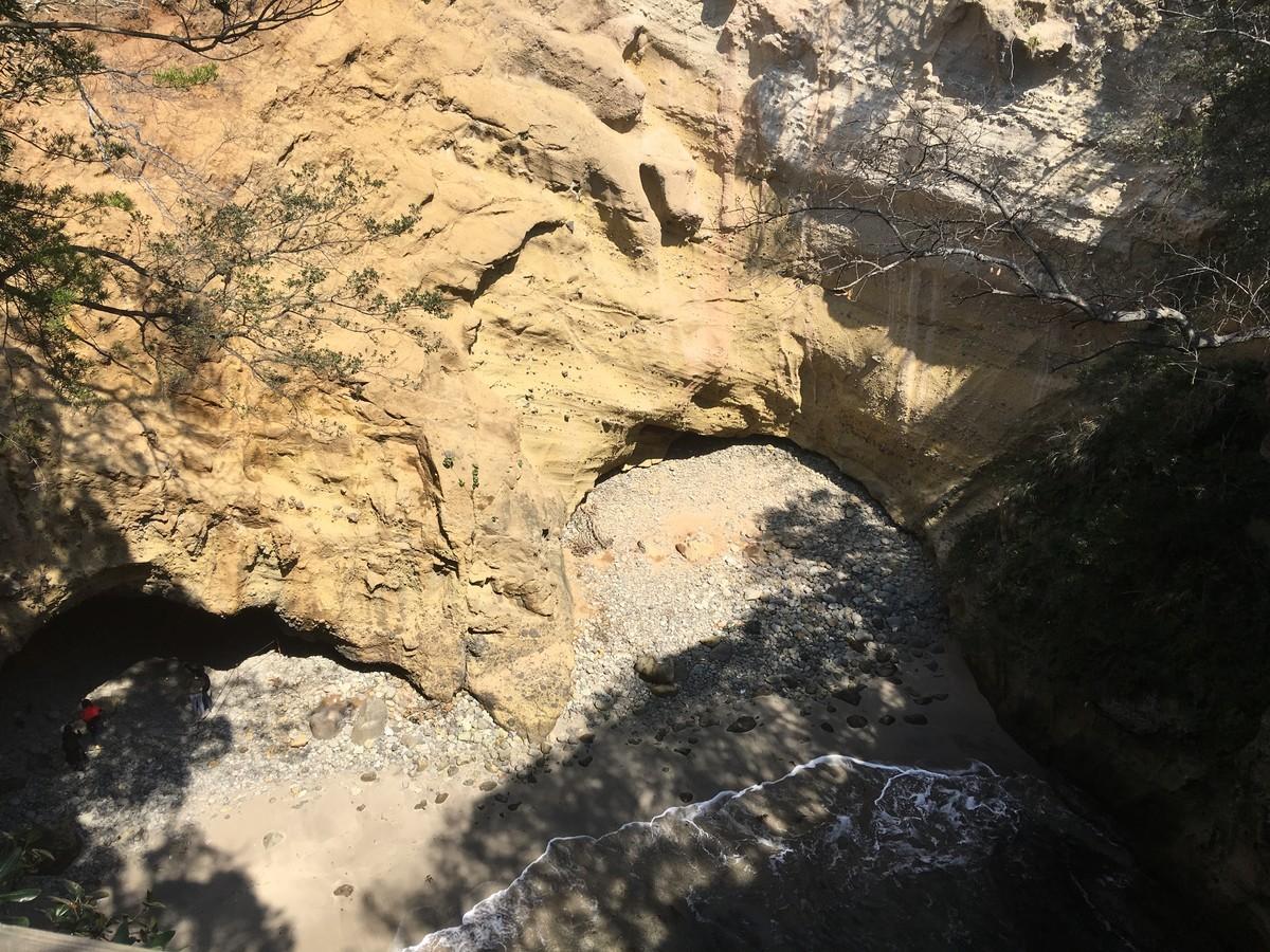 先がハート形になっている竜宮窟