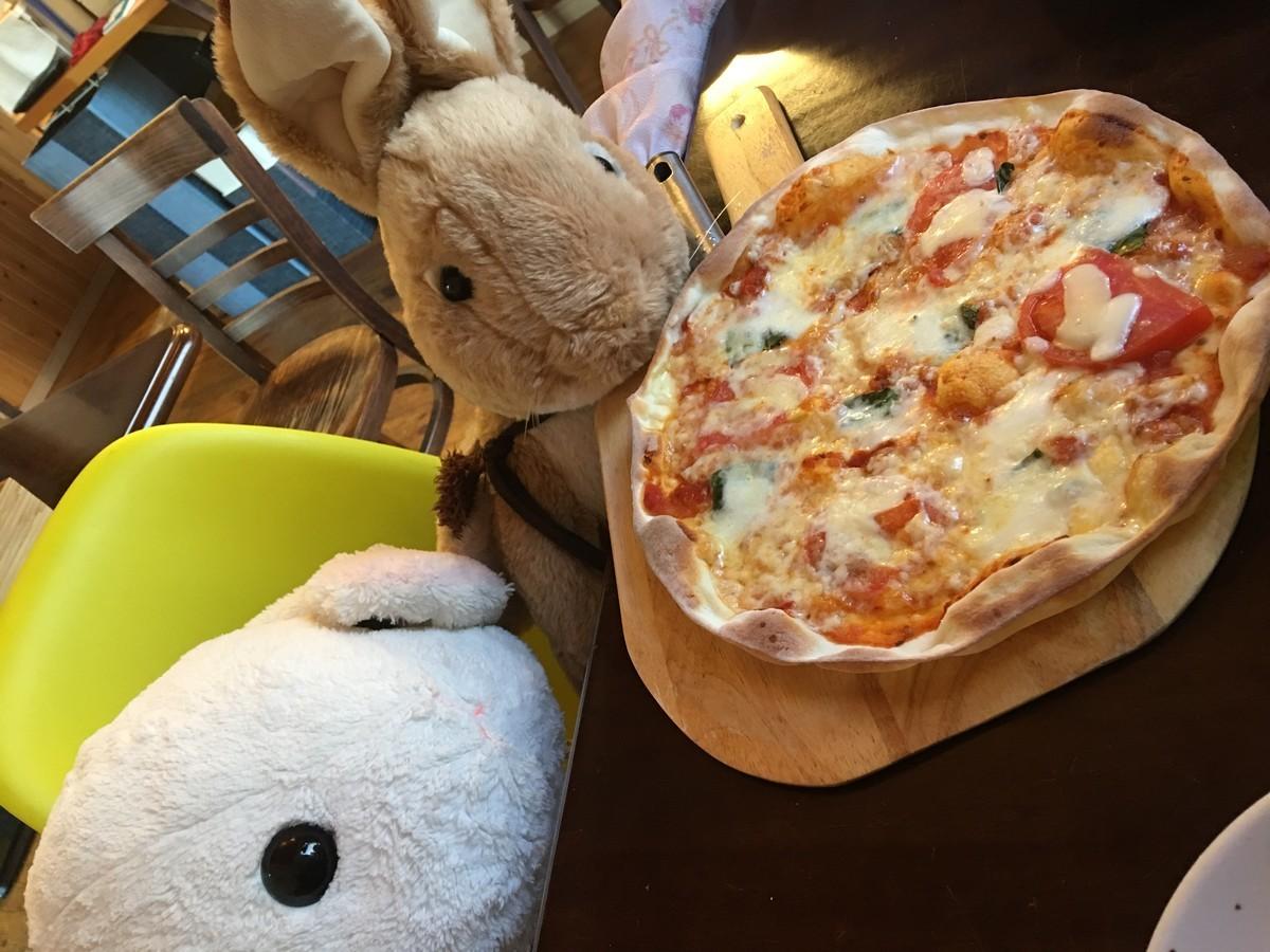 こちらは特製ピザです