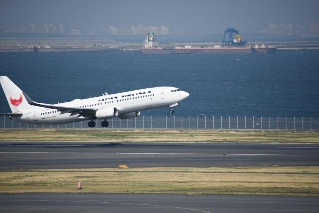 JAL904便!飛行中に左エンジンを損傷那覇空港緊急着陸!けが人無!