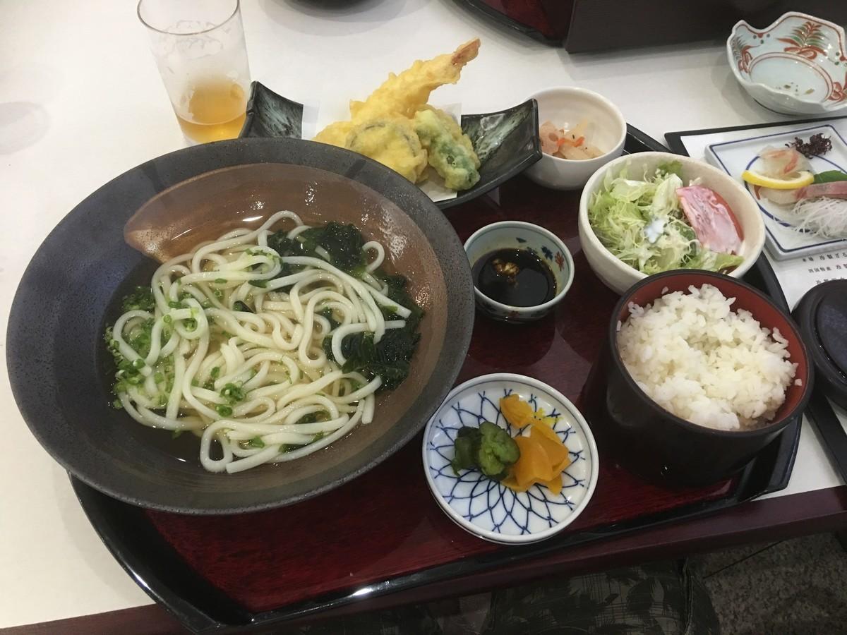 ご飯とセットで1500円