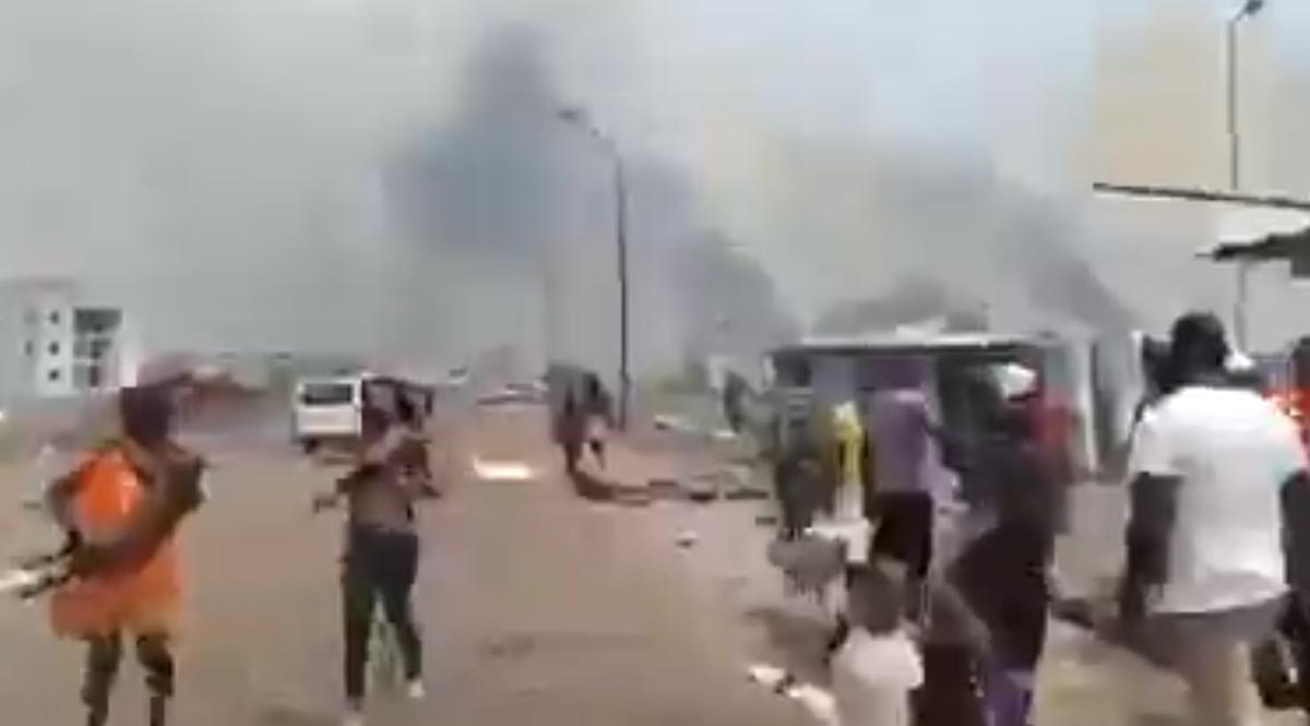 赤道ギニア共和国商業都市バータの軍基地で爆発事故
