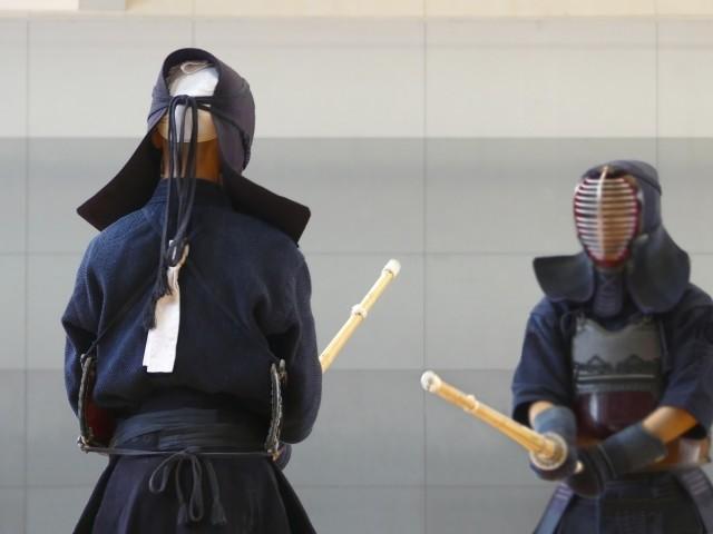 愛媛県大洲市帝京第五高等学校剣道部総監督が部員から誕生祝いなど集金し解雇