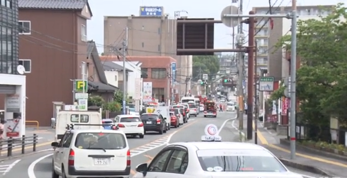 熊本県熊本市中央区の肥後銀行京町支店地下駐車場で車両火災