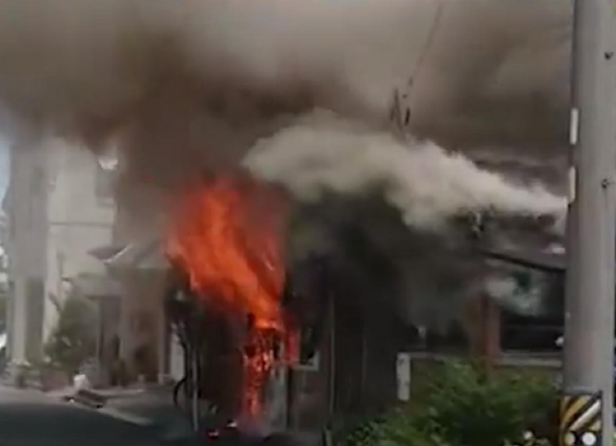 火災映像!静岡県静岡市葵区三番町の住宅火災!会社員が救助!火事の場所はどこ?