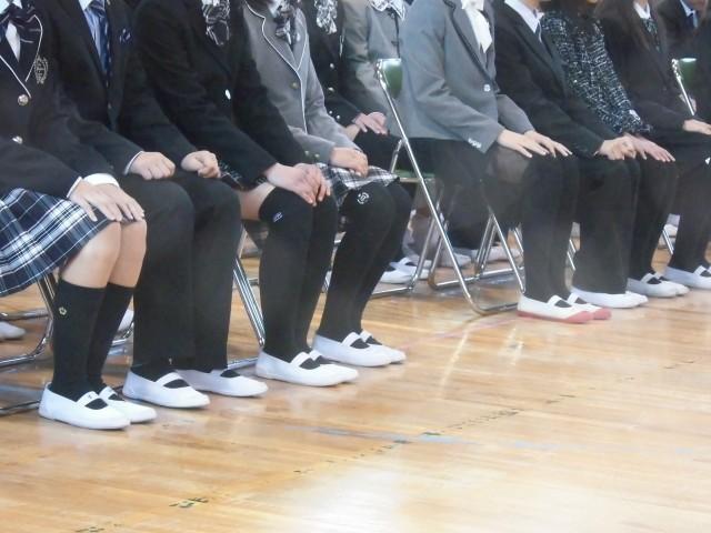 和歌山県でセーラー服盗難