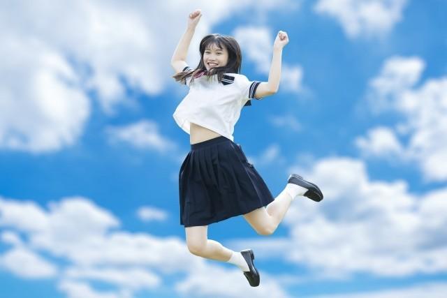 愛知県岡崎市の中学校に37歳男が女性用カツラとセーラー服姿で侵入学校名は?