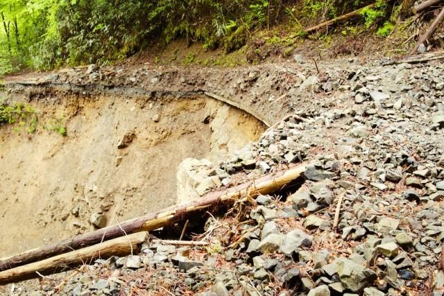 動画! 熱海伊豆山土石流の最上部で2度目の再崩落!捜索一時中断
