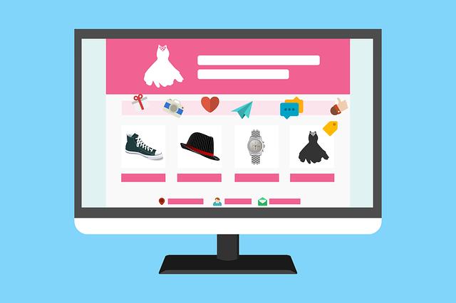 いろいろな服が並んでいるショッピングサイトの画像
