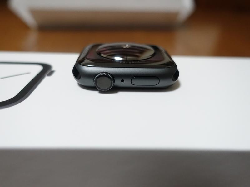 Apple Watch Series4のデジタルクラウン側の側面