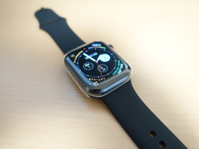 Smilelane Apple Watch Series 4 44mm ケースを取り付けたときの画像