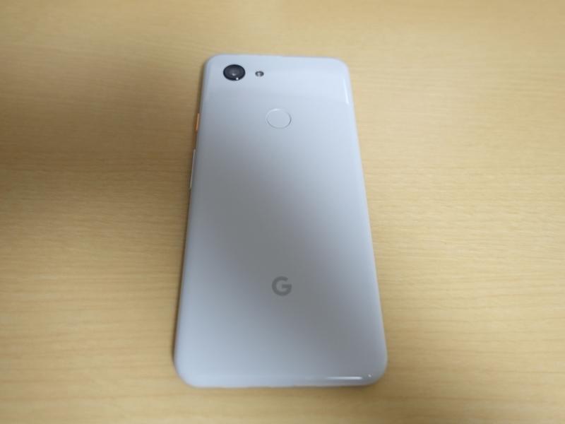 Google Pixel 3aの本体