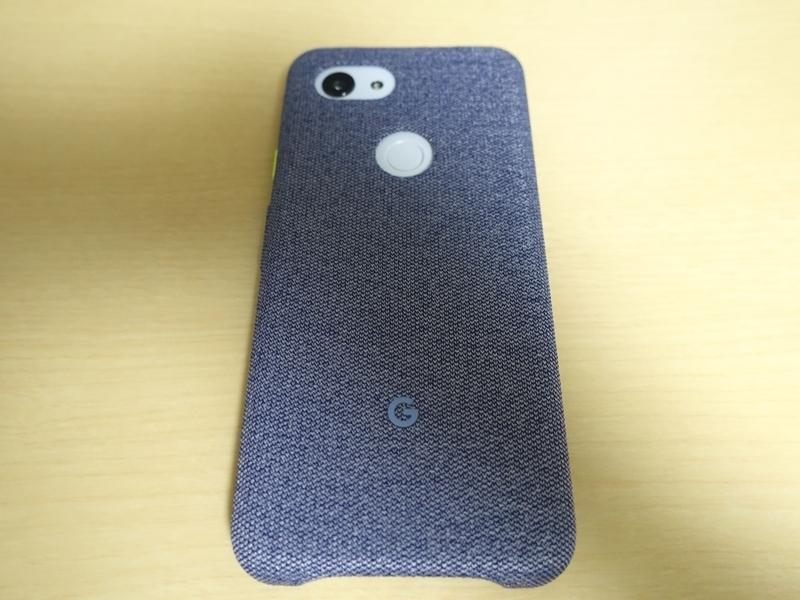 Google Pixel3aの純正ファブリックケース