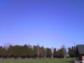 ユースホステルの外の青い空